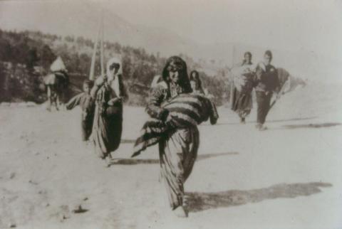 Madri armene deportate, foto di Armin T. Wegner